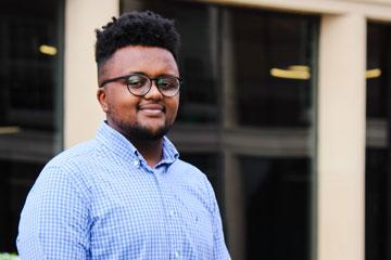 Accounting alum Nate Abebe awarded prestigious Silver Medal