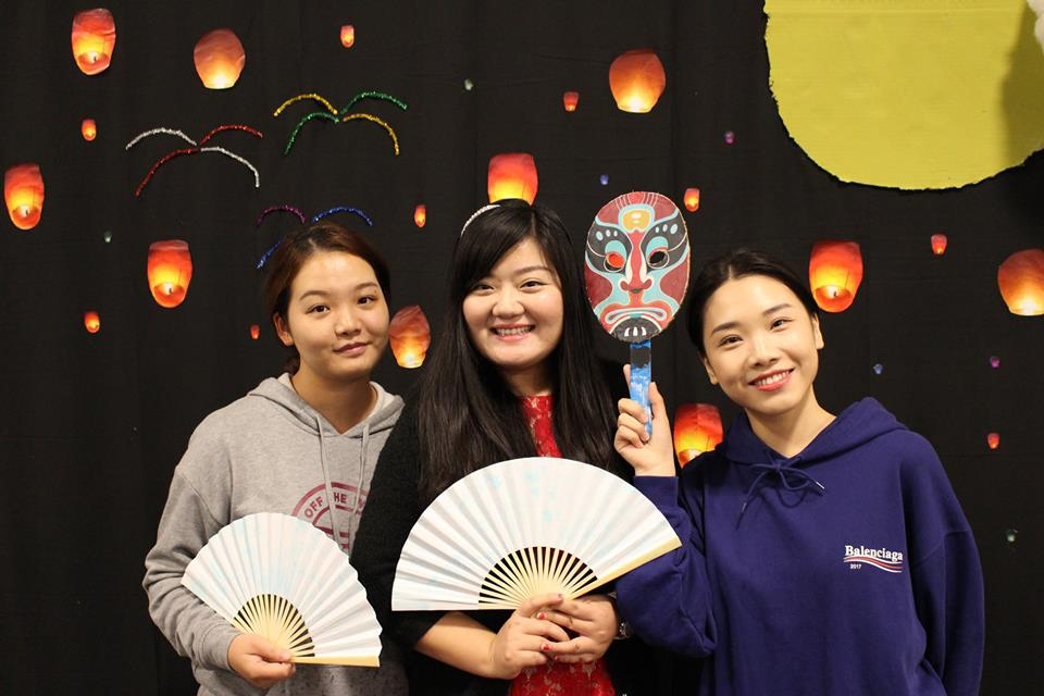 Students celebrating the Harvest Moon Festival 2018