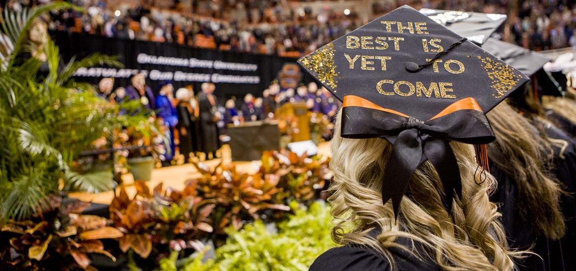 "Graduation commencement, cap decoration ""the best is yet to come"""