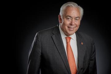 Provost Dr. Gary Sandefur announces plans to retire March 31