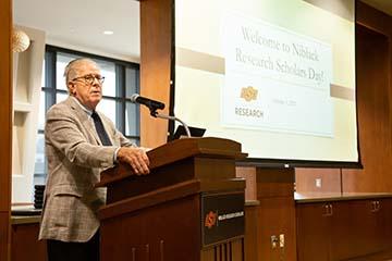 Former Pfizer vice chairman supporting OSU undergraduate research