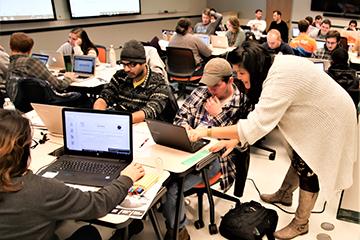 Online applied linguistics program moves closer to launch